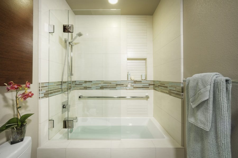 Benefits Of Tub Shower Combo| Do You Need One?